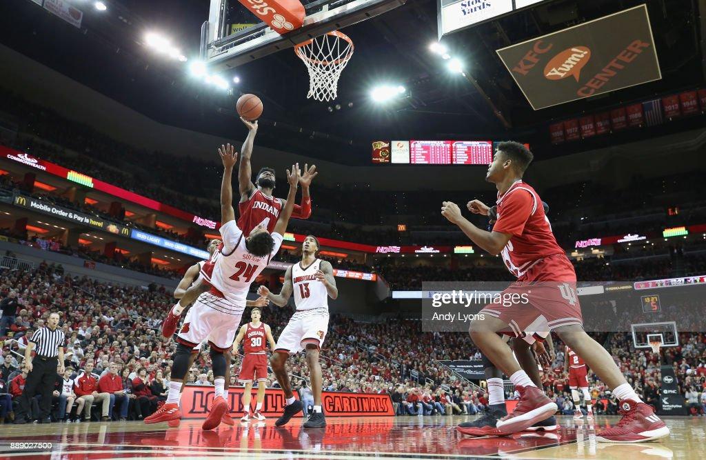Robert Johnson #4 of the Indiana Hoosiers shoots the ball against the Louisville Cardinals at KFC YUM! Center on December 9, 2017 in Louisville, Kentucky.