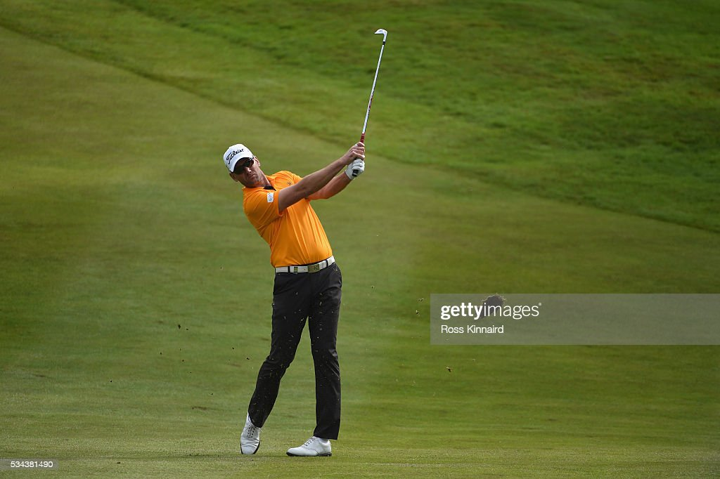 <a gi-track='captionPersonalityLinkClicked' href=/galleries/search?phrase=Robert+Karlsson&family=editorial&specificpeople=214653 ng-click='$event.stopPropagation()'>Robert Karlsson</a> of Sweden hits his approach on the 7th hole during day one of the BMW PGA Championship at Wentworth on May 26, 2016 in Virginia Water, England.