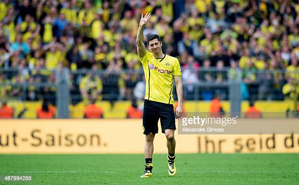Robert Lewandowski is saying goodbye to the fans at his last home match for Borussia Dortmund after the Bundesliga match between Borussia Dortmund...