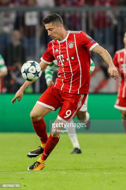 Robert Lewandowski of Bayern Muenchen controls the ball during the UEFA Champions League group B match between Bayern Muenchen and Celtic FC at...