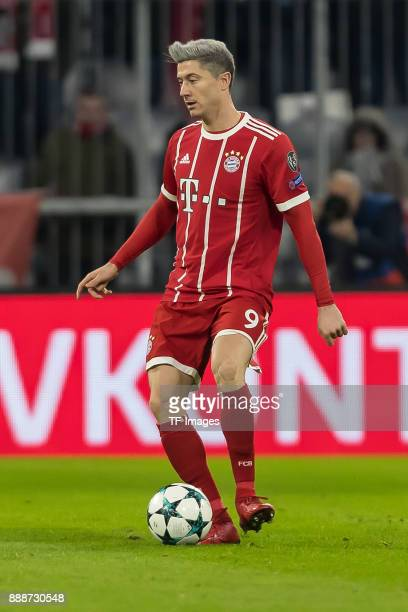 Robert Lewandowski of Bayern Muenchen controls the ball during the UEFA Champions League group B match between Bayern Muenchen and Paris SaintGermain...