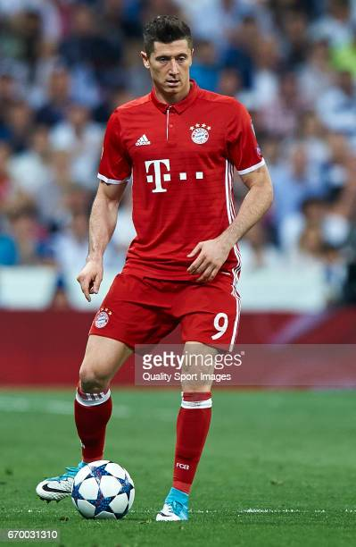Robert Lewandowski of Bayern Muenchen in action during the UEFA Champions League Quarter Final second leg match between Real Madrid CF and FC Bayern...
