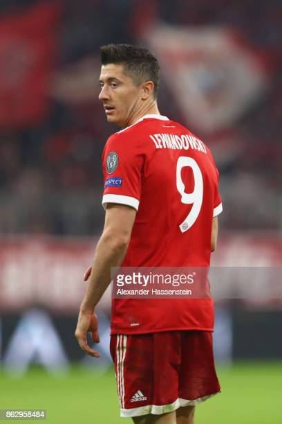 Robert Lewandowski of Bayern Muenchen looks on during the UEFA Champions League group B match between Bayern Muenchen and Celtic FC at Allianz Arena...