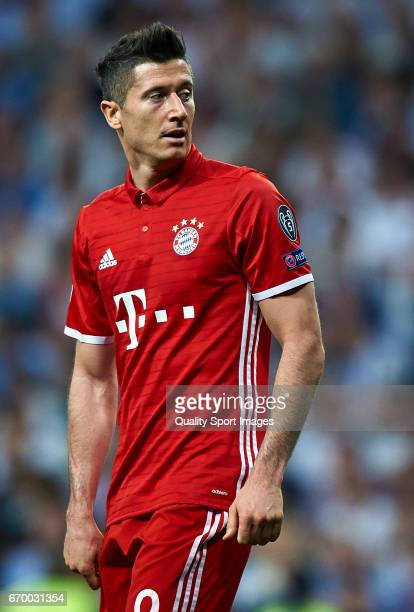 Robert Lewandowski of Bayern Muenchen reacts during the UEFA Champions League Quarter Final second leg match between Real Madrid CF and FC Bayern...