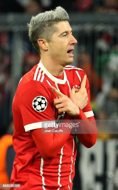 Robert Lewandowski of Bayern Munich celebrates his goal during the UEFA Champions League group B match between Bayern Muenchen and Paris SaintGermain...