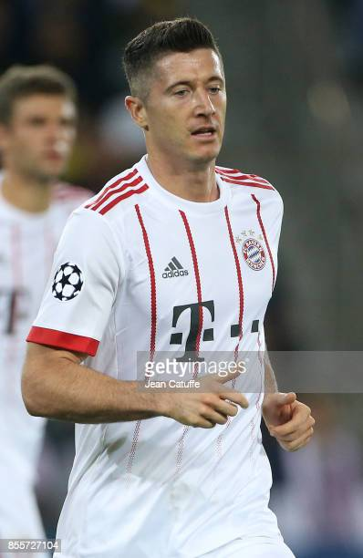 Robert Lewandowski of Bayern Munich during the UEFA Champions League group B match between Paris SaintGermain and Bayern Muenchen at Parc des Princes...