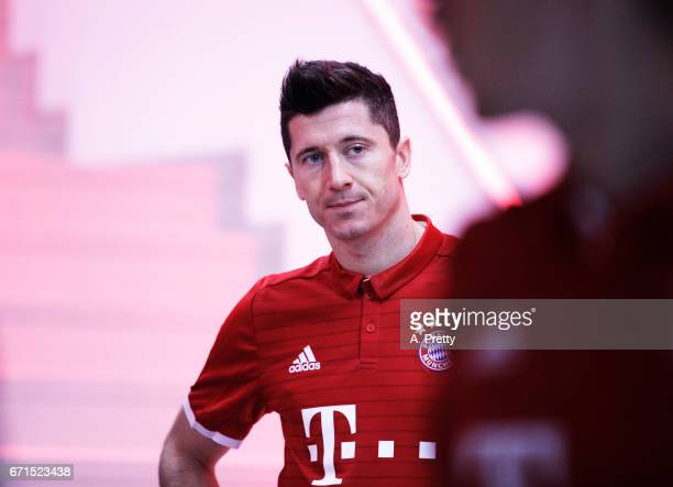 Robert Lewandowski of Bayern Munich prepares himself in the tunnel before the Bundesliga match between Bayern Muenchen and 1 FSV Mainz 05 at Allianz...