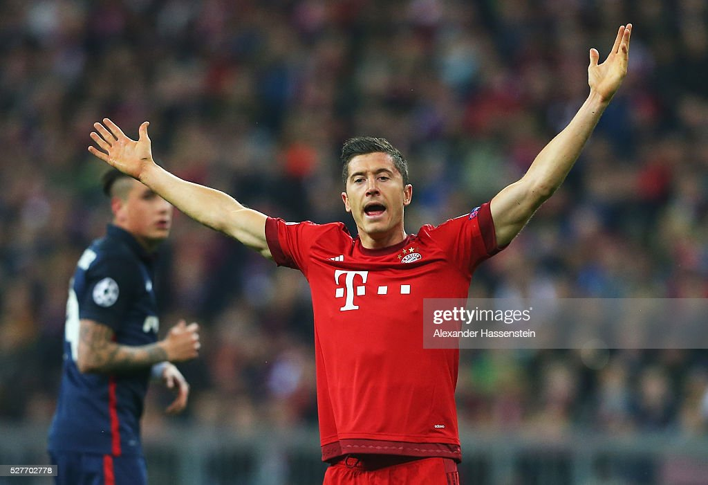 <a gi-track='captionPersonalityLinkClicked' href=/galleries/search?phrase=Robert+Lewandowski&family=editorial&specificpeople=5532633 ng-click='$event.stopPropagation()'>Robert Lewandowski</a> of Bayern Munich reacts during UEFA Champions League semi final second leg match between FC Bayern Muenchen and Club Atletico de Madrid at Allianz Arena on May 3, 2016 in Munich, Germany.