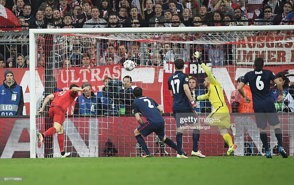 Robert Lewandowski of Bayern Munich (9) scores their second goal with a header during UEFA Champions League semi final second leg match between FC Bayern Muenchen and Club Atletico de Madrid at Allianz Arena on May 3, 2016 in Munich, Germany.