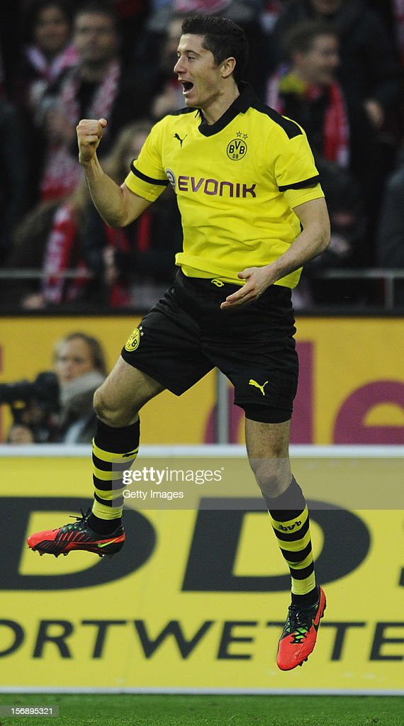 <a gi-track='captionPersonalityLinkClicked' href=/galleries/search?phrase=Robert+Lewandowski&family=editorial&specificpeople=5532633 ng-click='$event.stopPropagation()'>Robert Lewandowski</a> of Dortmund celebrates his team's second goal during the Bundesliga match between 1. FSV Mainz 05 and Borussia Dortmund at Coface Arena on November 24, 2012 in Mainz, Germany.
