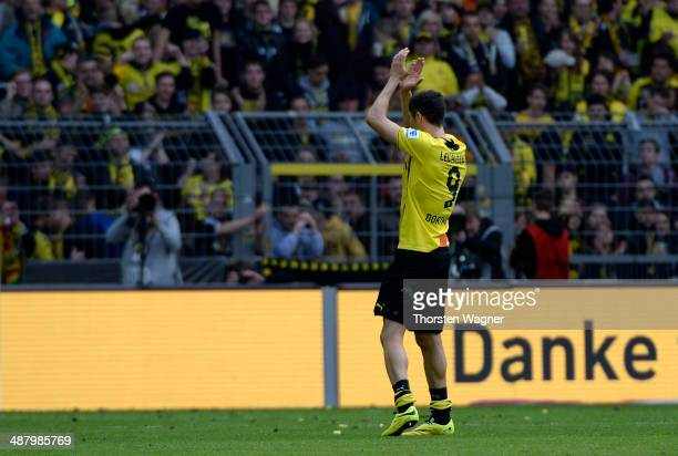 Robert Lewandowski of Dortmund celebrates with the fans after winning the Bundesliga match between Borussia Dortmund and TSG 1899 Hoffenheim at...