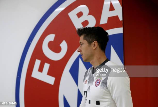 Robert Lewandowski of FC Bayern Muenchen arrives at the players' tunnel before the DFB Cup semi final match between FC Bayern Muenchen and Borussia...