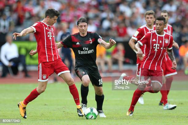Robert Lewandowski of FC Bayern Muenchen in action against Riccardo Montolivo of AC Milan during the 2017 International Champions Cup football match...