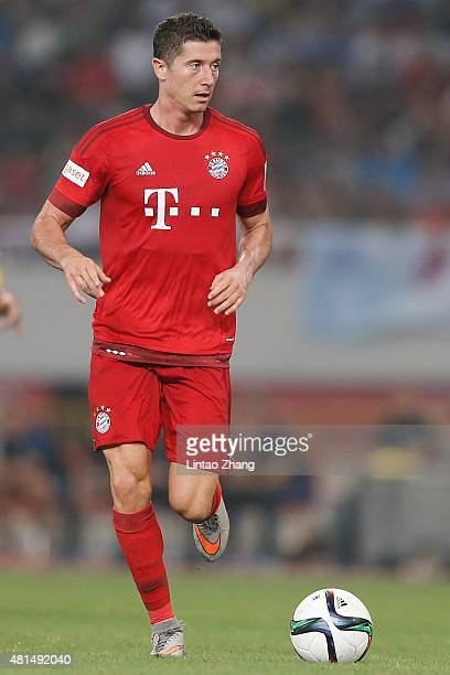 Robert Lewandowski of FC Bayern Muenchen in action during the international friendly match between FC Bayern Muenchen and Inter Milan of the Audi...