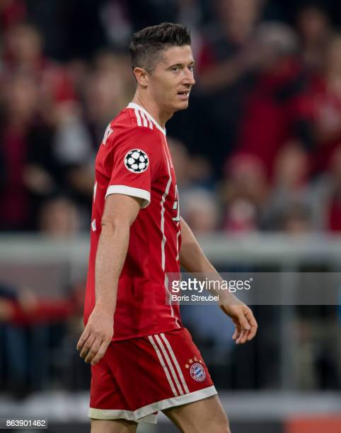 Robert Lewandowski of FC Bayern Muenchen looks on during the UEFA Champions League group B match between Bayern Muenchen and Celtic FC at Allianz...