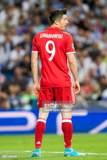 Robert Lewandowski of FC Bayern Munich looks on during their 201617 UEFA Champions League Quarterfinals second leg match between Real Madrid and FC...