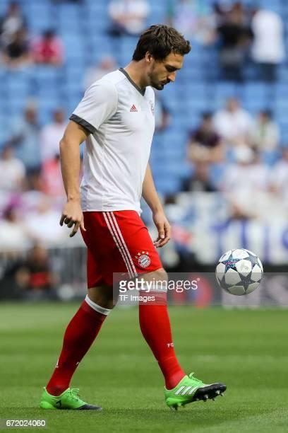 Robert Lewandowski of Munich looks on during the UEFA Champions League Quarter Final second leg match between Real Madrid CF and FC Bayern Muenchen...