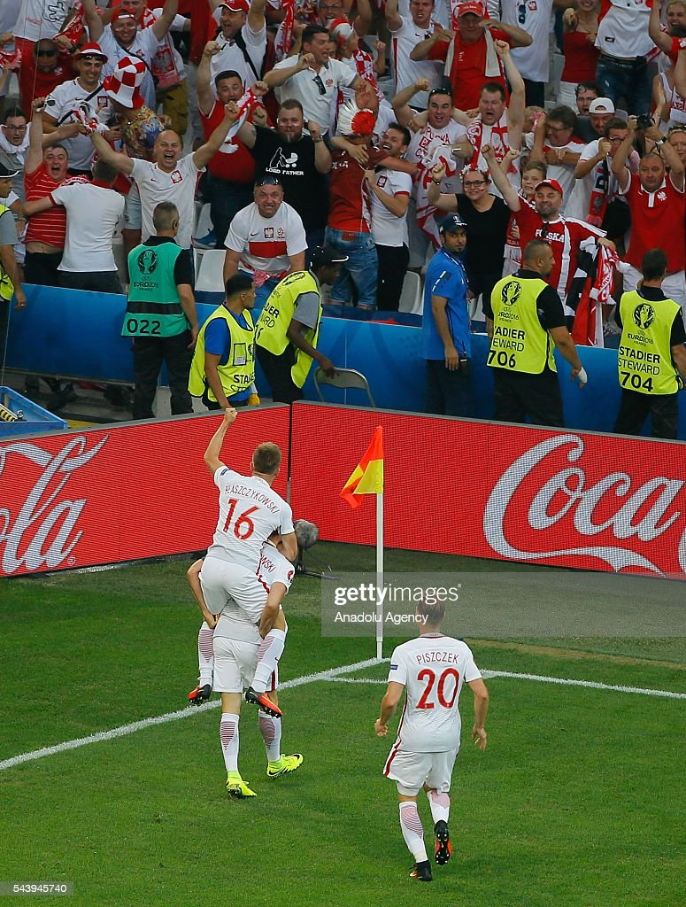 Robert Lewandowski of Poland celebrates scoring a goal during the Euro 2016 quarter-final football match between Poland and Portugal at the Stade Velodrome in Marseille, France on June 30, 2016.