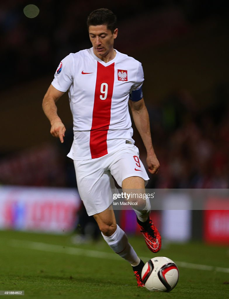 Robert Lewandowski of Poland controls the ball during the UEFA EURO 2016 qualifier between Scotland and Poland at Hampden Park on October 08 2015 in...