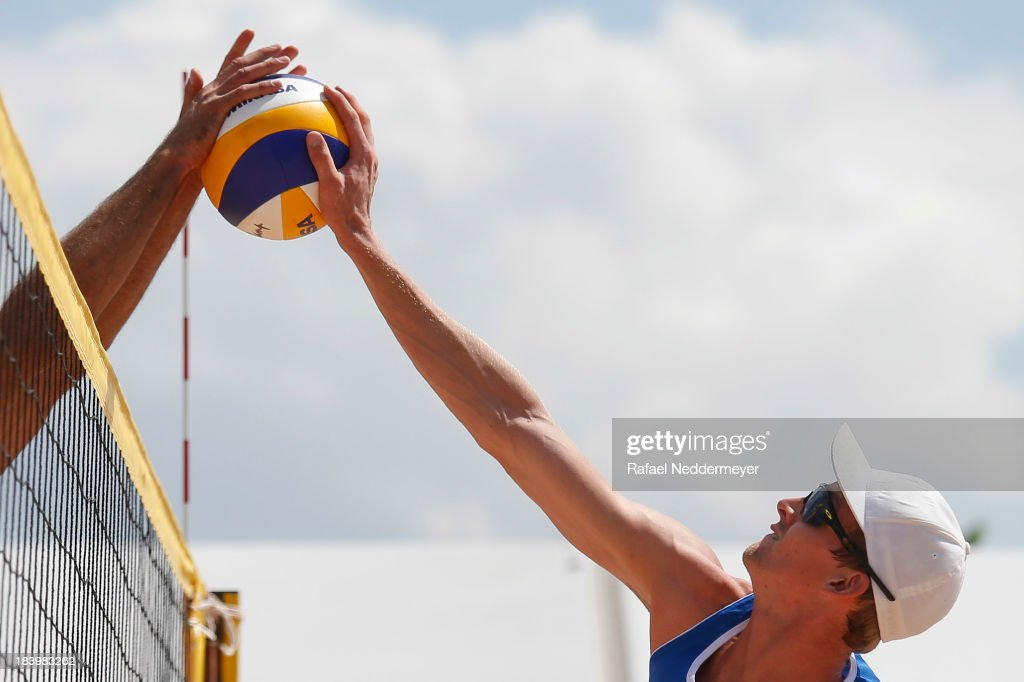 Robert Meeuwsen of Netherlands in action during day third of the FIVB Beach Volleyball Sao Paulo Grand Slam 2013 at Parque Villa Lobos on October 10, 2013 in Sao Paulo, Brazil.