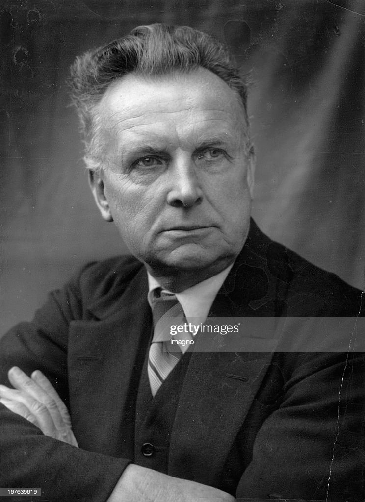 Robert Michel. Writer. Austria. Oktober 1937. (Photo by Imagno/Getty Images) Robert Michel. Schriftsteller. Österreich. Photographie. Oktober 1937.