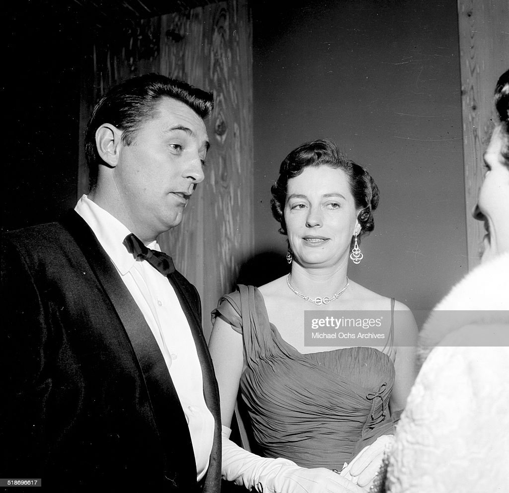 <a gi-track='captionPersonalityLinkClicked' href=/galleries/search?phrase=Robert+Mitchum&family=editorial&specificpeople=206827 ng-click='$event.stopPropagation()'>Robert Mitchum</a> and wife Dorothy attend the Friars dinner in Los Angeles,CA.