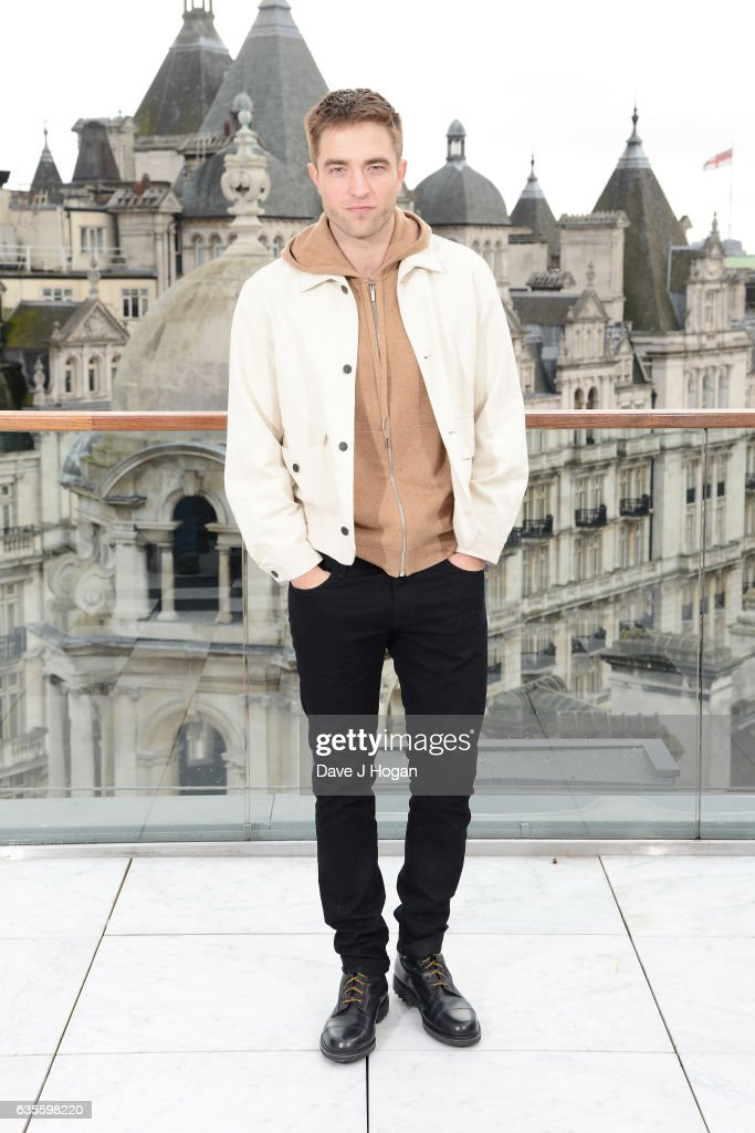 Robert Pattinson poses at a photocall for 'The Lost City Of Z' at Corinthia London on February 16, 2017 in London, England.
