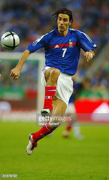 Robert Pires of France controls the ball during the 2006 World Cup Qualifier Group 4 match between France and Republic of Ireland at Stade de France...