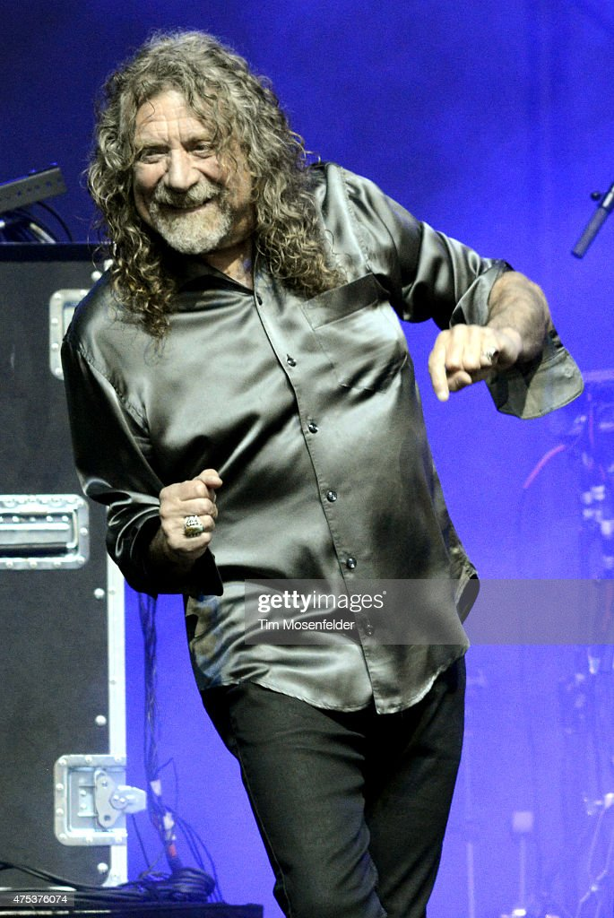 <a gi-track='captionPersonalityLinkClicked' href=/galleries/search?phrase=Robert+Plant&family=editorial&specificpeople=211368 ng-click='$event.stopPropagation()'>Robert Plant</a> of <a gi-track='captionPersonalityLinkClicked' href=/galleries/search?phrase=Robert+Plant&family=editorial&specificpeople=211368 ng-click='$event.stopPropagation()'>Robert Plant</a> and his Sensational Space Shifters performs during the Bottle Rock Napa Valley Music Festival at Napa Valley Expo on May 30, 2015 in Napa, California.