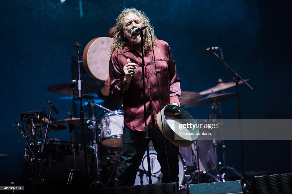 <a gi-track='captionPersonalityLinkClicked' href=/galleries/search?phrase=Robert+Plant&family=editorial&specificpeople=211368 ng-click='$event.stopPropagation()'>Robert Plant</a> performs during 2015 Lollapalooza Brazil at Autodromo de Interlagos on March 28, 2015 in Sao Paulo, Brazil.