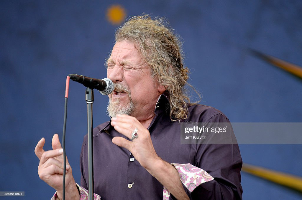 <a gi-track='captionPersonalityLinkClicked' href=/galleries/search?phrase=Robert+Plant&family=editorial&specificpeople=211368 ng-click='$event.stopPropagation()'>Robert Plant</a> performs during the 2014 New Orleans Jazz & Heritage Festival at Fair Grounds Race Course on April 26, 2014 in New Orleans, Louisiana.