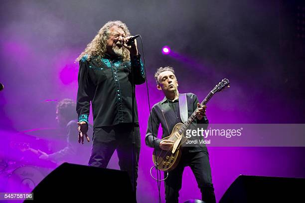 Robert Plant performs on stage during Day 2 of Cruilla Festival at Parc del Forum on July 9 2016 in Barcelona Spain