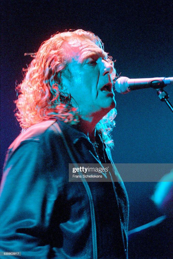 Robert Plant, vocals, performs on October 23rd 2000 at the Melkweg in Amsterdam, Netherlands.