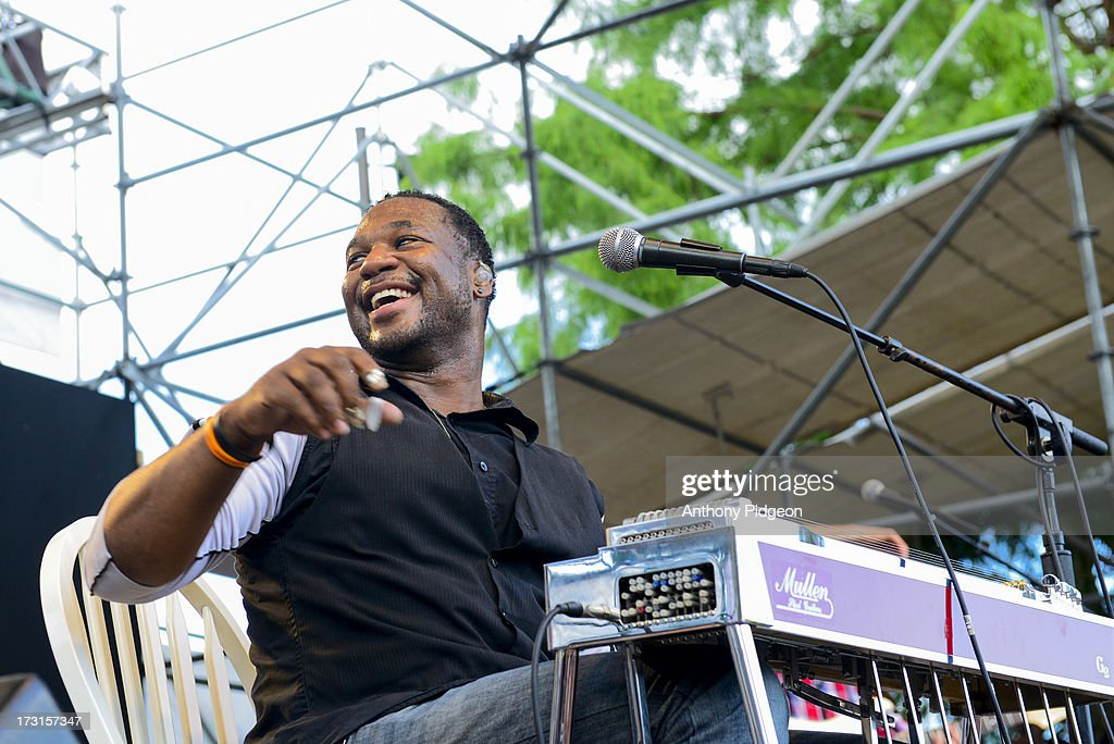 Robert Randolph perform on stage on Day 4 of Waterfront Blues Festival at Tom McCall Waterfront Park on July 7, 2013 in Portland, Oregon.