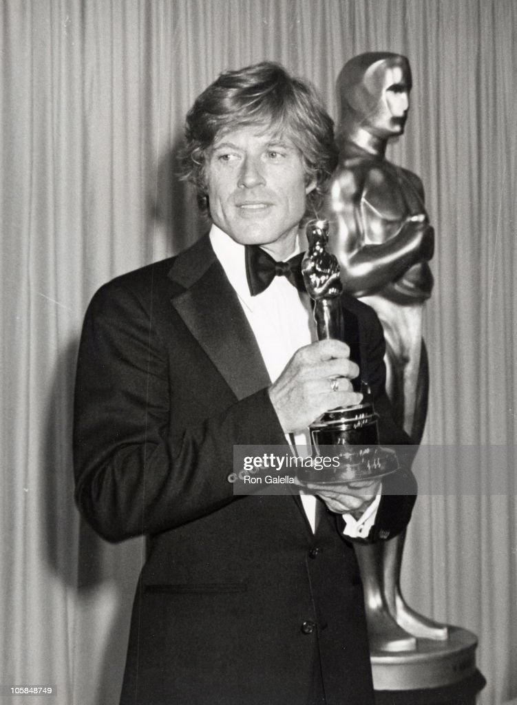 <a gi-track='captionPersonalityLinkClicked' href=/galleries/search?phrase=Robert+Redford&family=editorial&specificpeople=202897 ng-click='$event.stopPropagation()'>Robert Redford</a>, winner of Best Director for 'Ordinary People'