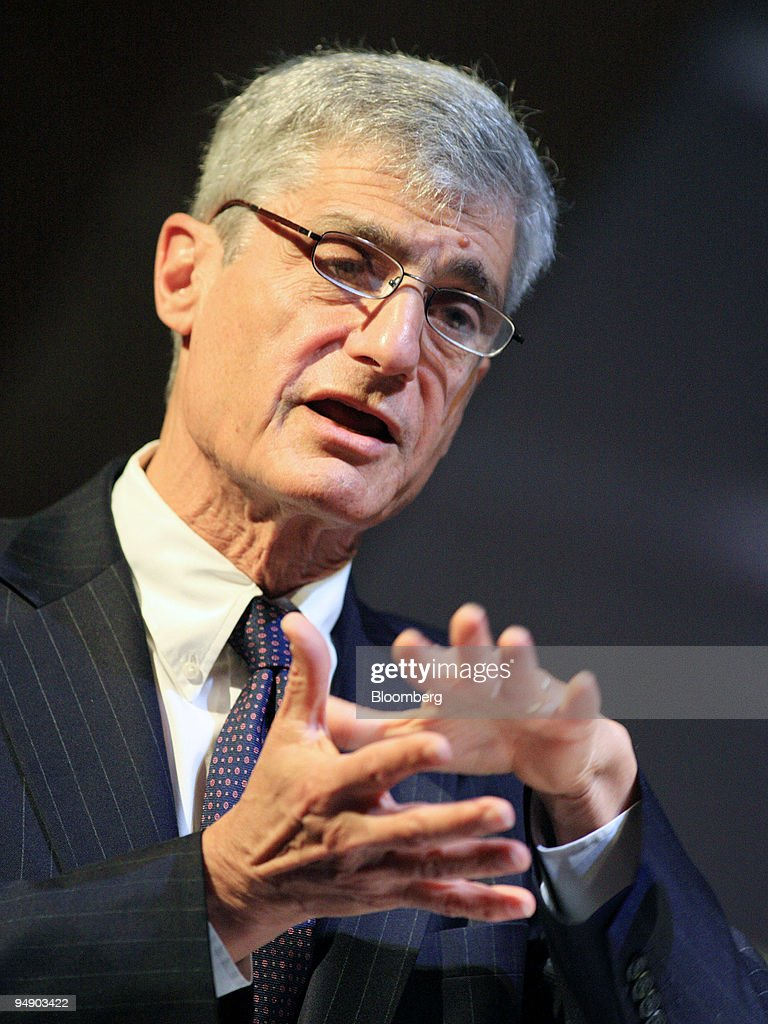 Robert Rubin, chairman of the executive committee of Citigroup Inc., gives a lecture at Cooper Union in New York, U.S., on Wednesday, Jan. 30, 2008. Rubin, a former U.S. Treasury secretary who joined Citigroup in 1999, signaled that further interest-rate cuts by the Federal Reserve may hurt an ``already vulnerable dollar,'' after the central bank's fastest reduction in borrowing costs since 1990.