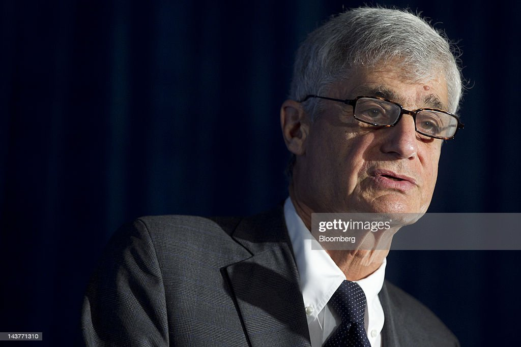 Robert Rubin, co-chair of the Council on Foreign Relations and former U.S. Treasury secretary, speaks at the Brookings Institution's Hamilton Project economic forum in Washington, D.C., U.S., on Thursday, May 3, 2012. Overhauling the U.S. tax code may promote economic growth and reduce inequality, said Rubin. Photographer: Andrew Harrer/Bloomberg via Getty Images