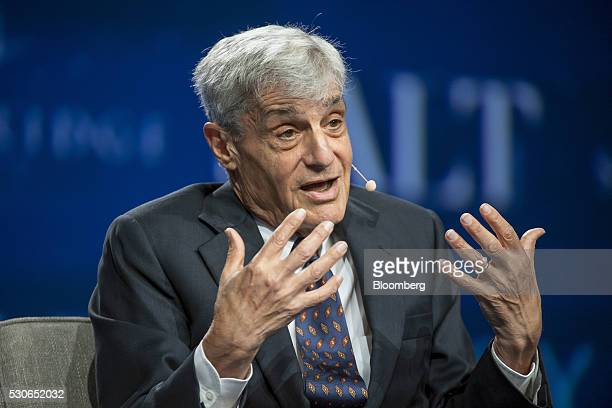 Robert Rubin cochairman at the Council of Foreign Relations and former US Treasury Secretary speaks during the Skybridge Alternatives conference in...