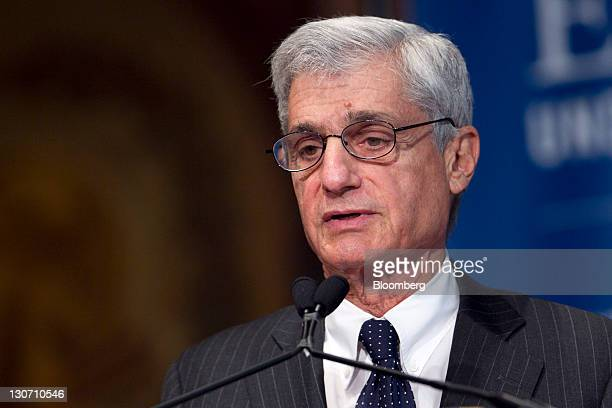 Robert Rubin cochairman of the Council on Foreign Relations and former US treasury secretary speaks during a Clinton Foundation event at Georgetown...