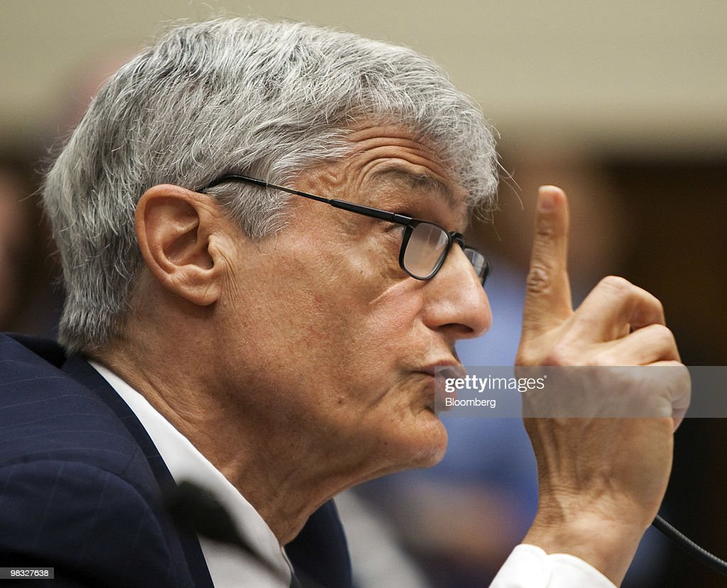 Robert Rubin, former chairman of Citigroup Inc.'s executive committee, testifies at a hearing of the Financial Crisis Inquiry Commission in Washington, D.C., U.S., on Thursday, April 8, 2010. Former Chief Executive Officer Charles O. 'Chuck' Prince said he wasn't aware of the mortgage-related securities that caused the bank's biggest losses until the financial crisis struck. Photographer: Joshua Roberts/Bloomberg via Getty Images