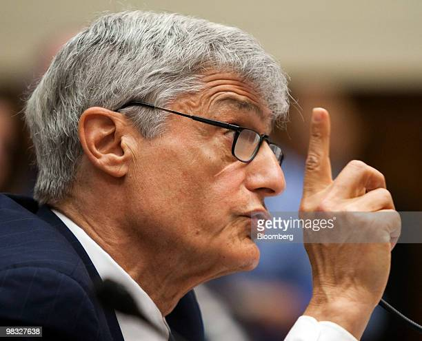 Robert Rubin former chairman of Citigroup Inc's executive committee testifies at a hearing of the Financial Crisis Inquiry Commission in Washington...