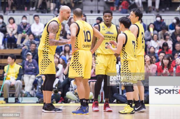 Robert Sacre of the SunRockers talks with teammates during the BLeague match between Hitachi SunRockers TokyoShibuya and Alvark Tokyo at Aoyama...