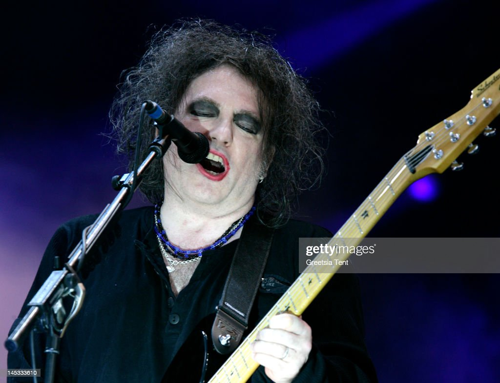 <a gi-track='captionPersonalityLinkClicked' href=/galleries/search?phrase=Robert+Smith+-+Musicista&family=editorial&specificpeople=198989 ng-click='$event.stopPropagation()'>Robert Smith</a> of The Cure performs live on day one of Pinkpop Festival at Megaland on May 26, 2012 in Landgraaf, Netherlands.