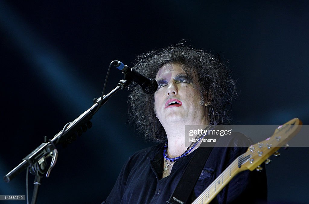 <a gi-track='captionPersonalityLinkClicked' href=/galleries/search?phrase=Robert+Smith+-+Musician&family=editorial&specificpeople=198989 ng-click='$event.stopPropagation()'>Robert Smith</a> of The Cure performs on day one of Pinkpop Festival at Megaland on May 26, 2012 in Landgraaf, Netherlands.