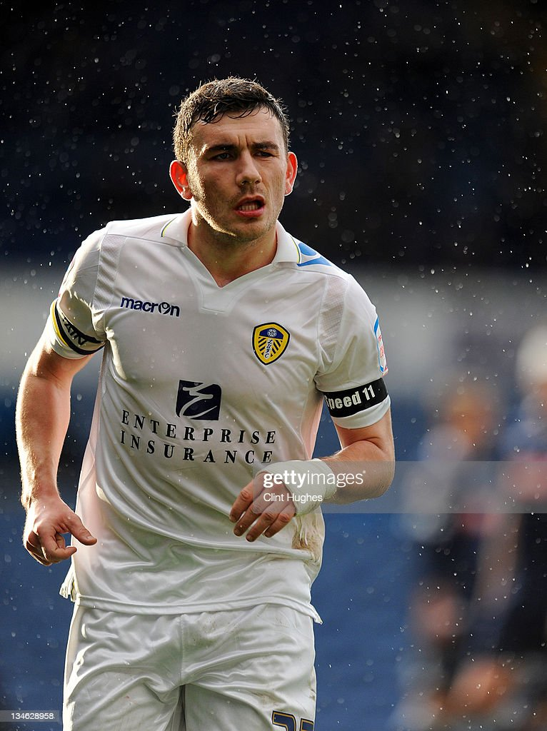 Robert Snodgrass of Leeds wheres a black arm band on his left arm in tribute to the late Gary Speed during the npower Championship match between Leeds United and Millwall at Elland Road on December 03, 2011 in Leeds, England.