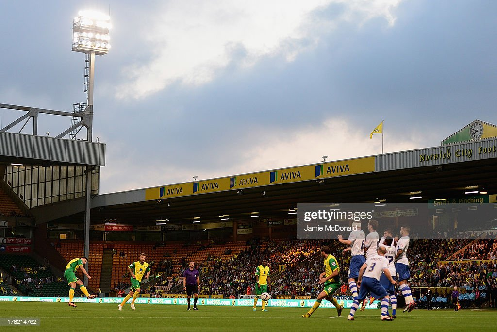 <a gi-track='captionPersonalityLinkClicked' href=/galleries/search?phrase=Robert+Snodgrass&family=editorial&specificpeople=5488953 ng-click='$event.stopPropagation()'>Robert Snodgrass</a> of Norwich City takes a free kick during the Sky Bet League One match between Coventry City and Preston North End at Sixfields on August 25, 2013 in Northampton, England.