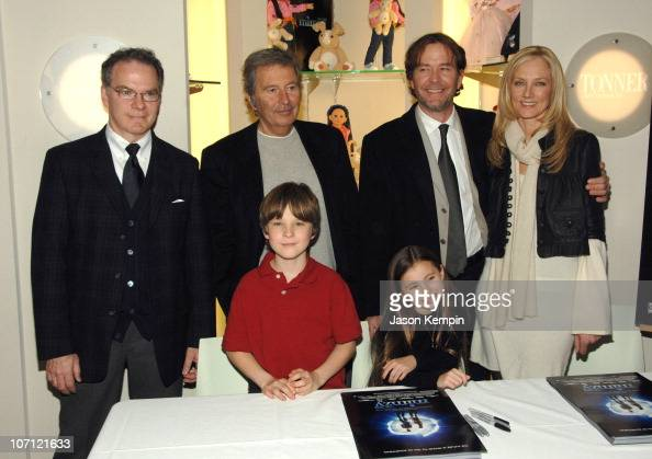 Robert Tonner Chris O'Neil Bob Shaye Rhiannon Leigh Wryn Timothy Hutton and Joely Richardson