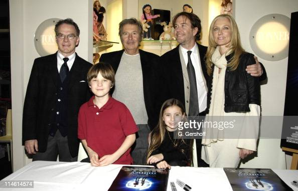 Robert Tonner designer Chris O'Neil Robert Shaye director Rhiannon Leigh Wryn Timothy Hutton and Joely Richardson