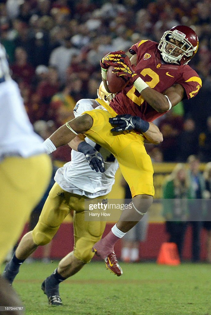 Robert Woods #2 of the USC Trojans makes a catch during a 22-13 loss to the Notre Dame Fighting Irish at Los Angeles Memorial Coliseum on November 24, 2012 in Los Angeles, California.