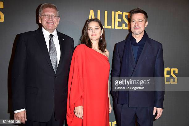 Robert Zemeckis Marion Cotillard and Brad Pitt attend the Paris premiere of the Paramount Pictures title 'Allied' on November 20 2016 at Cinema UGC...